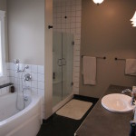 474 Cadder ave. master bathroom / Skyrim Construction